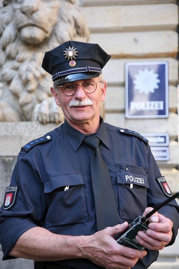 600px-HH_Polizeihauptmeister_MZ
